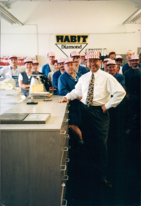 http://www.manufacturingwithheart.com/wp-content/uploads/2016/12/UK-Saltash-Welcomes-Butch-1998.jpg